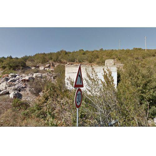 Građevinsko zemljište: 2560 m2 Zaglav