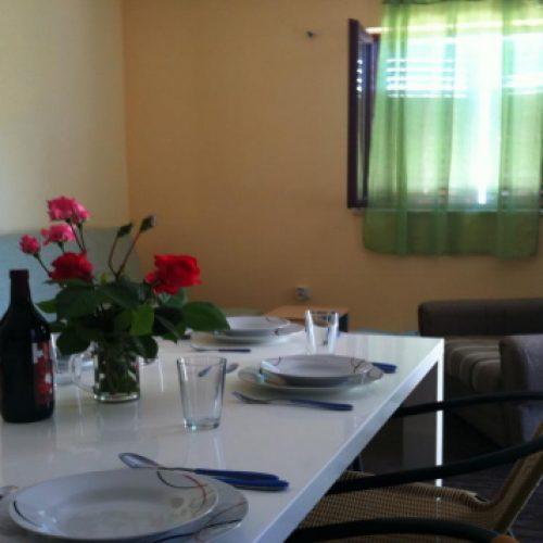 Kuća: 86 m2 Sestrunj