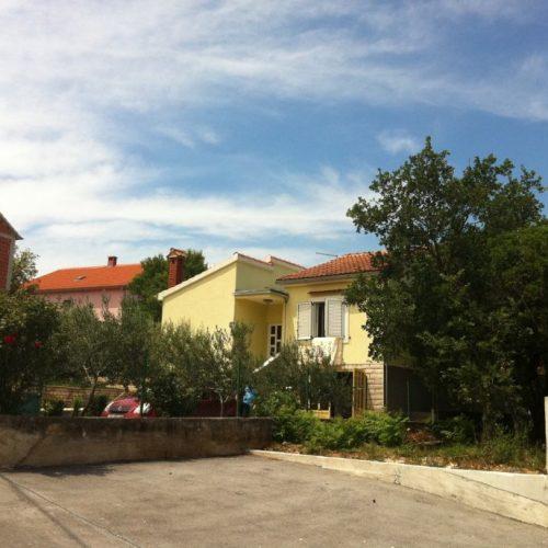 Kuća: Pridraga, prizemnica s garažom, 100 m2