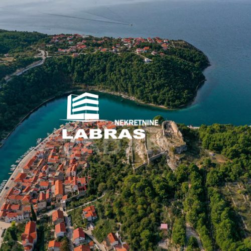 Građevinsko zemljište, Novigrad, 1876 m2 – Prvi red uz more!!!!