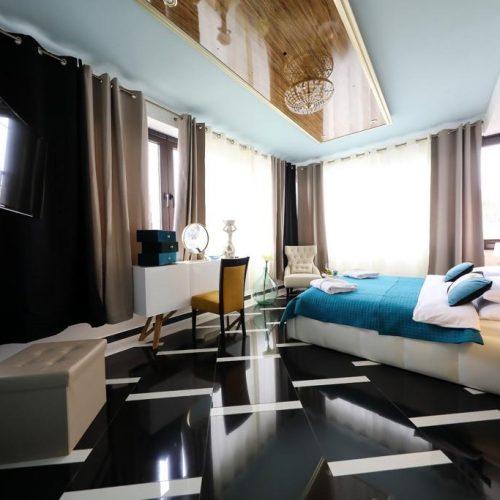 Poslovni objekt: 630 m2 Bibinje – 12 luksuznih soba, top lokacija!!