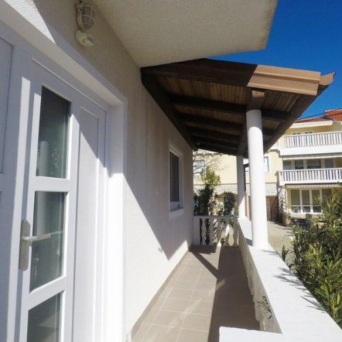 Kuća: Zadar-Diklo, katnica, 206 m2 – 2. red od mora – 4 stana!!