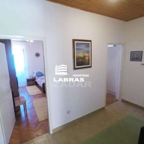 Kuća: Pašman, katnica, 120 m2 – Prvi red uz more – Top prilika!!!