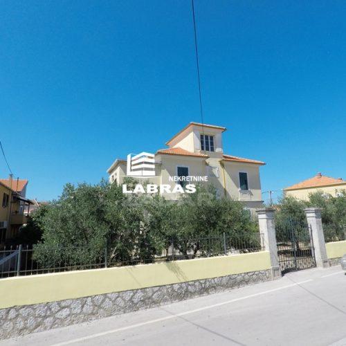 Talijanska villa: Zadar-Melada, 280 m2 – Jedinstvena nekretnina!