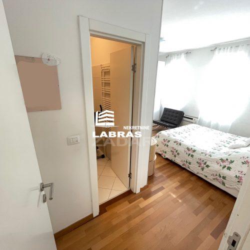 Stan: Zadar-TIZ, 98 m2, Tri spavaće sobe – Top lokacija – Garaža !!!