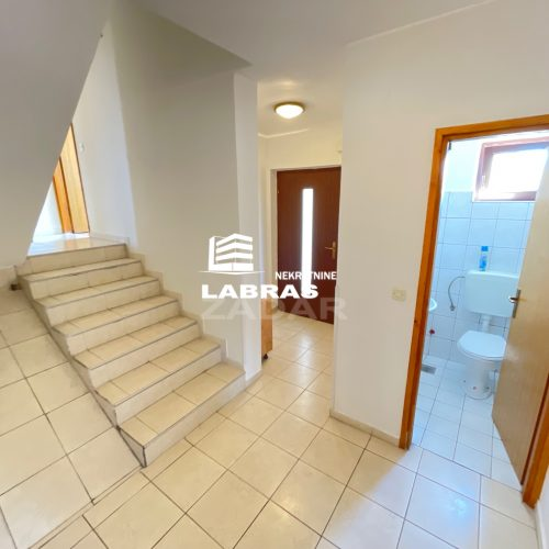Stan: Zadar-Bokanjac, 172,7 m2 – 2 parkinga – VRT 90 m2!!!